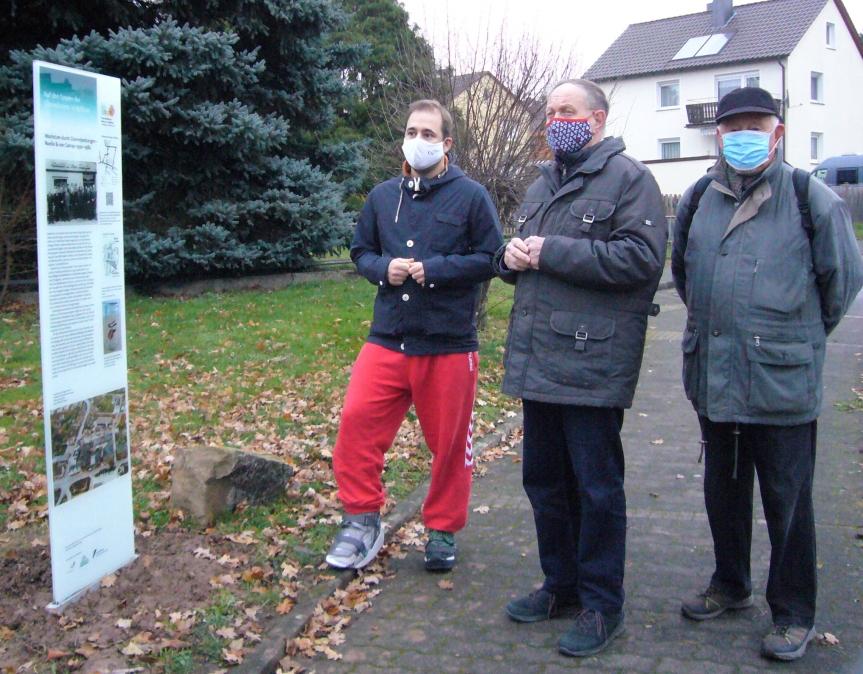Bundestagsabgeordneter informiert sich überGlasstelen-Weg